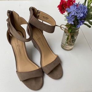Chinese Laundry Wedge heels 9.5